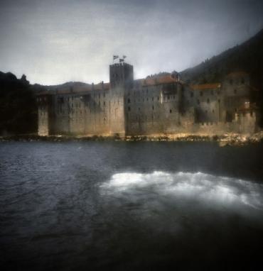 Гръцки фотограф показва изложба от Атон на Международните фотографски срещи